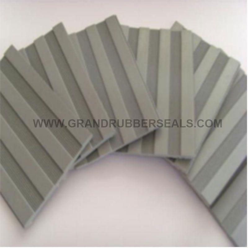 ⑧ Corrugate Rubber Mat
